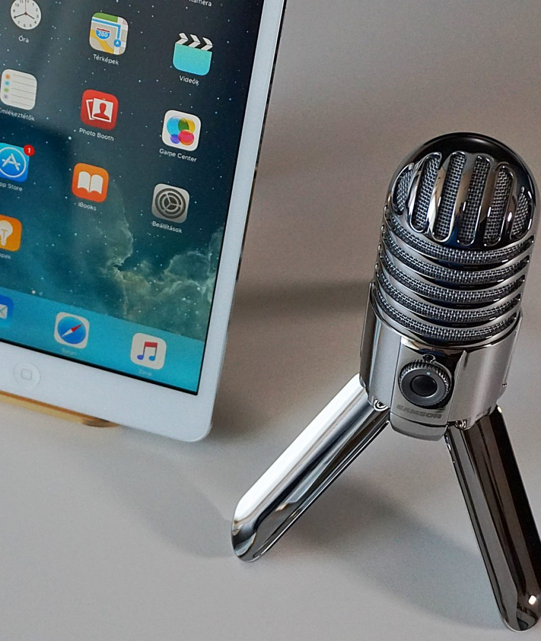 microphone-2469294_1920